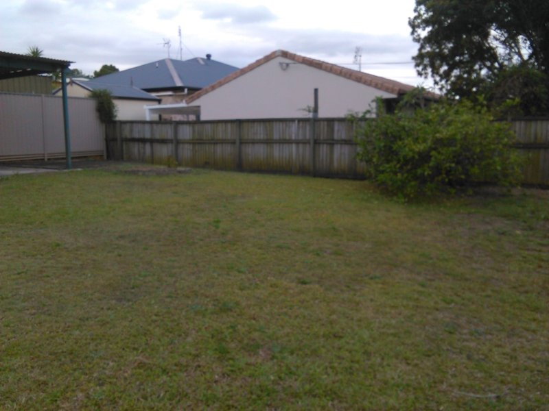 25 Paradise Street NERANG QLD 4211