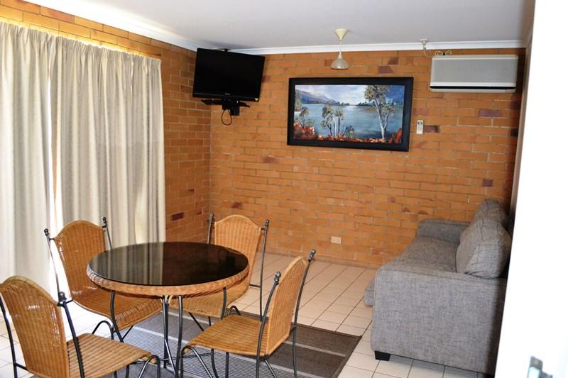 5 Mulgrave street GIN GIN QLD 4671