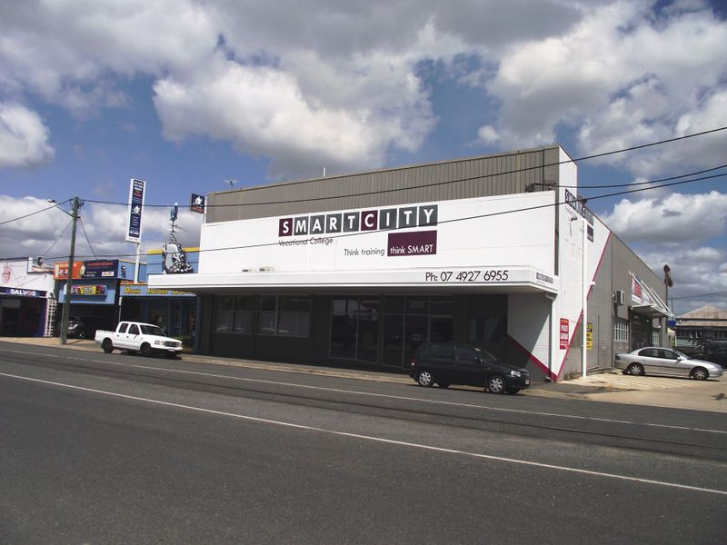 160-162 Denison Street ROCKHAMPTON CITY QLD 4700