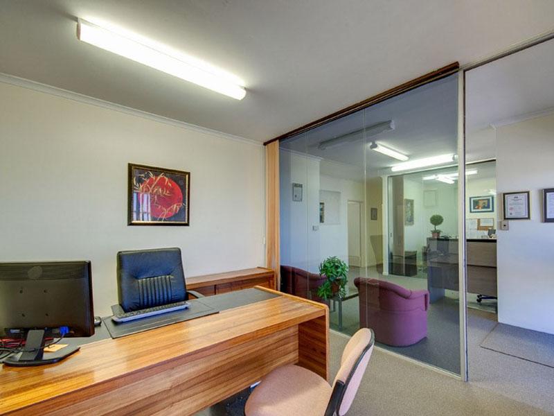 17&18/8 Dennis Road SPRINGWOOD QLD 4127