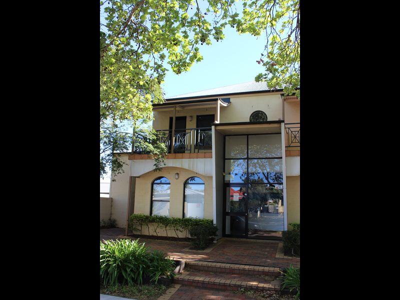 2/109 Herries Street EAST TOOWOOMBA QLD 4350