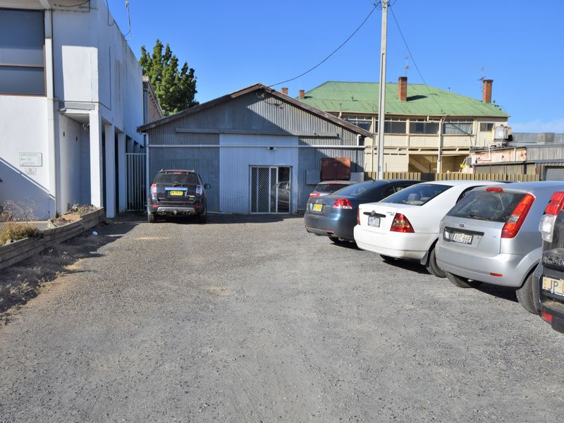 61 Boorowa Street YOUNG NSW 2594