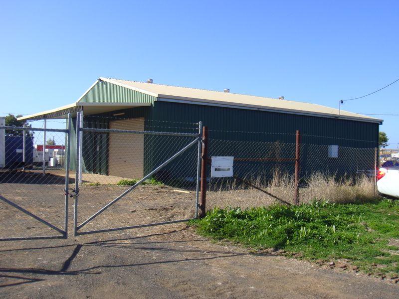 32 Linton Street ROMA QLD 4455