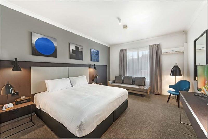 33 Levey Street WOLLI CREEK NSW 2205