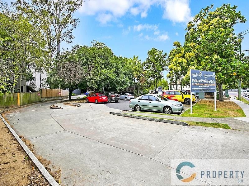 583 Coronation Drive TOOWONG QLD 4066