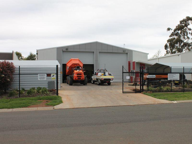 25 Croft Crescent HARRISTOWN QLD 4350