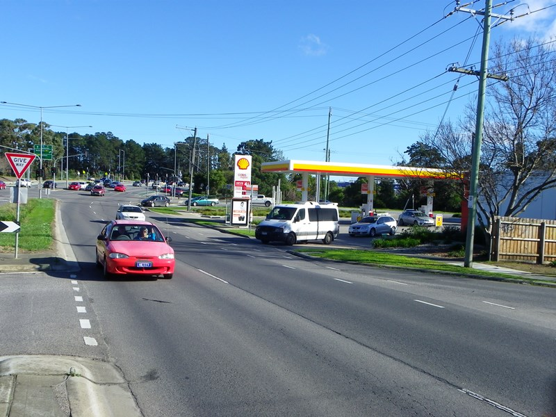 1 Cranbourne-Frankston Road (Corner McLelland Drive LANGWARRIN VIC 3910