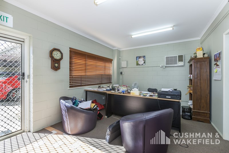 24 Johnstone Road BRENDALE QLD 4500