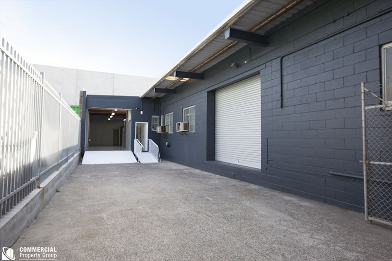 2/25 Captain Cook Drive CARINGBAH NSW 2229