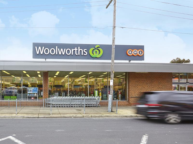 WOOLWORTHS/10-20 Geum Street GLENROY VIC 3046