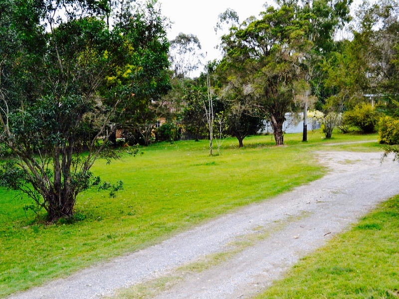 237–239 Jones Road BELLBIRD PARK QLD 4300