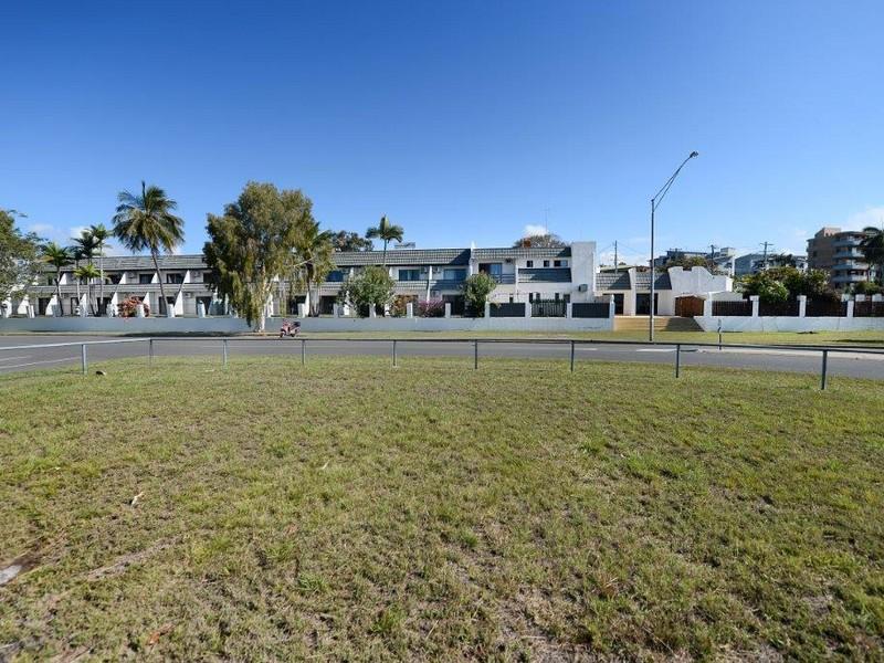 6 Scenery Street WEST GLADSTONE QLD 4680