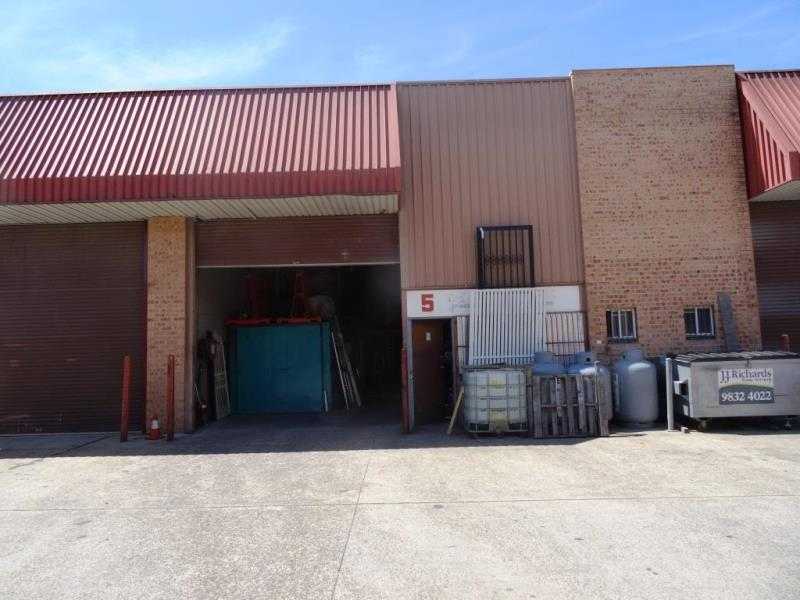 Unit 5/16-18 Alfred Rd CHIPPING NORTON NSW 2170