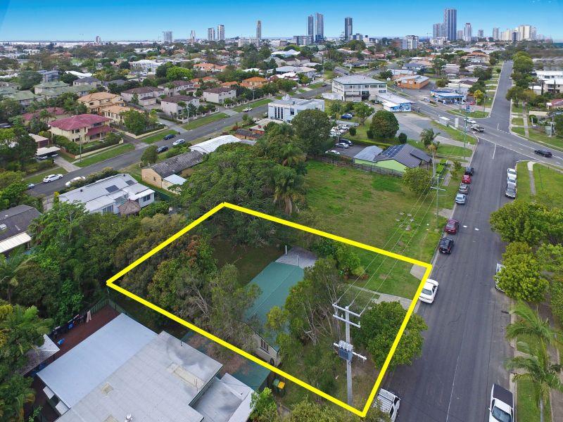 105 Falconer Street SOUTHPORT QLD 4215