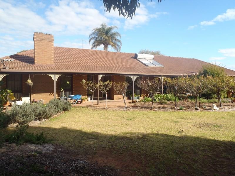 Farm 340 Garner Road LEETON NSW 2705