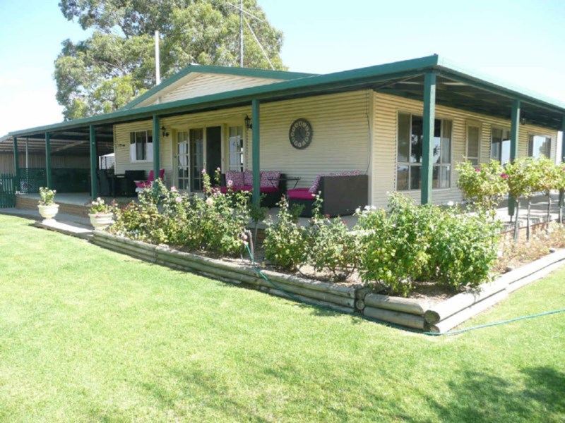 165 Red Hill Road NARRANDERA NSW 2700