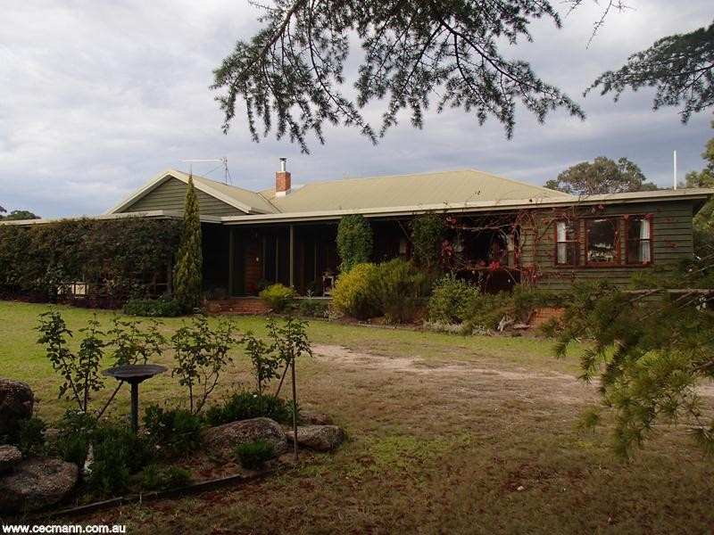 2399 Pyramids Road STANTHORPE QLD 4380