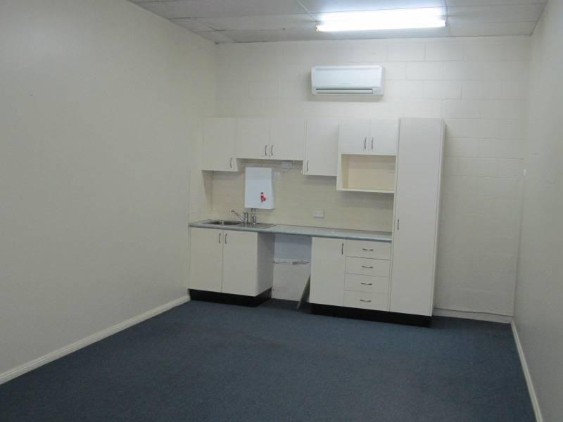 1b/ 98 Bentinck BATHURST NSW 2795