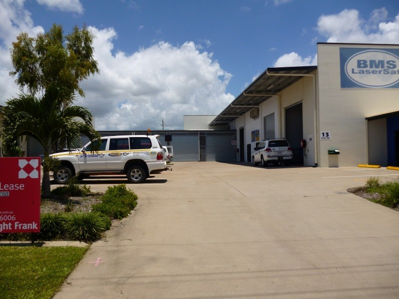 Unit 1/13-19 Civil Road GARBUTT QLD 4814