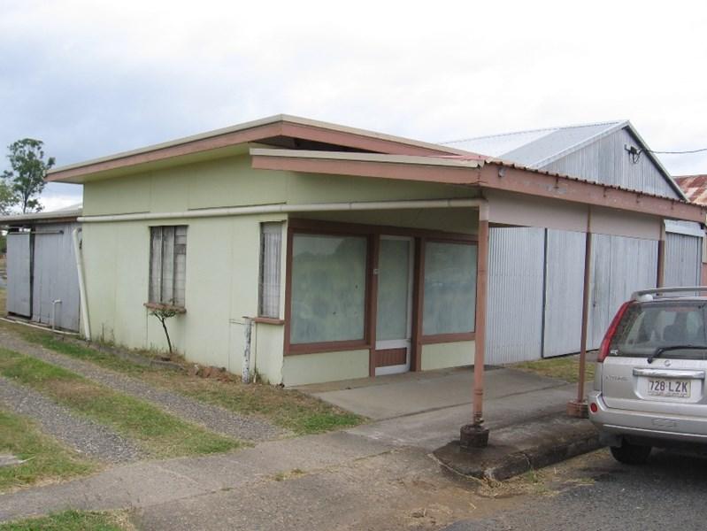24 McIntyre Street CALEN QLD 4798