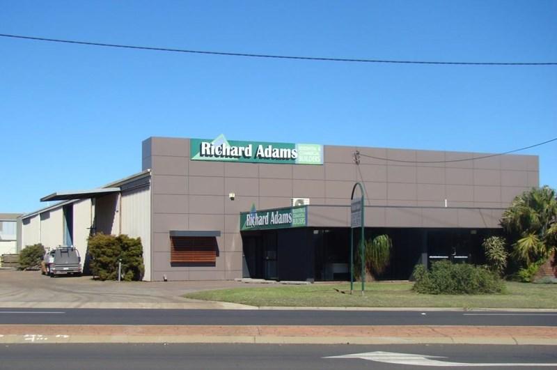 4 Carrington Road TOOWOOMBA QLD 4350