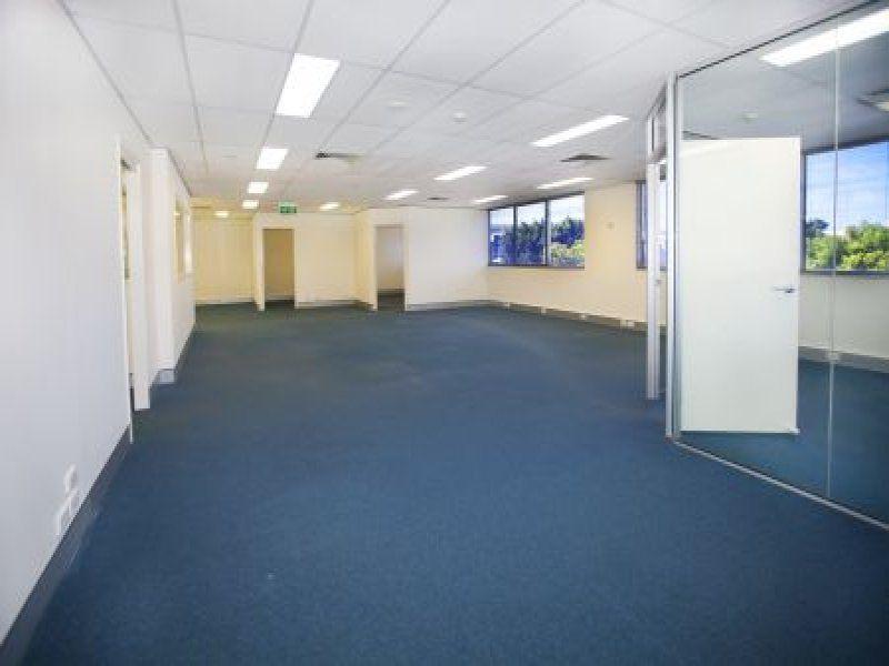 HENDRA QLD 4011
