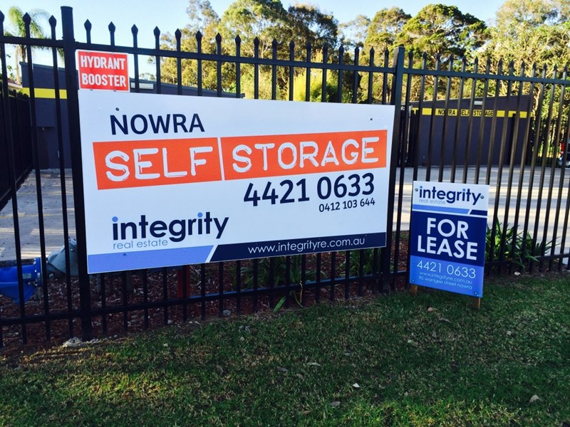 23 Browns Road SOUTH NOWRA NSW 2541