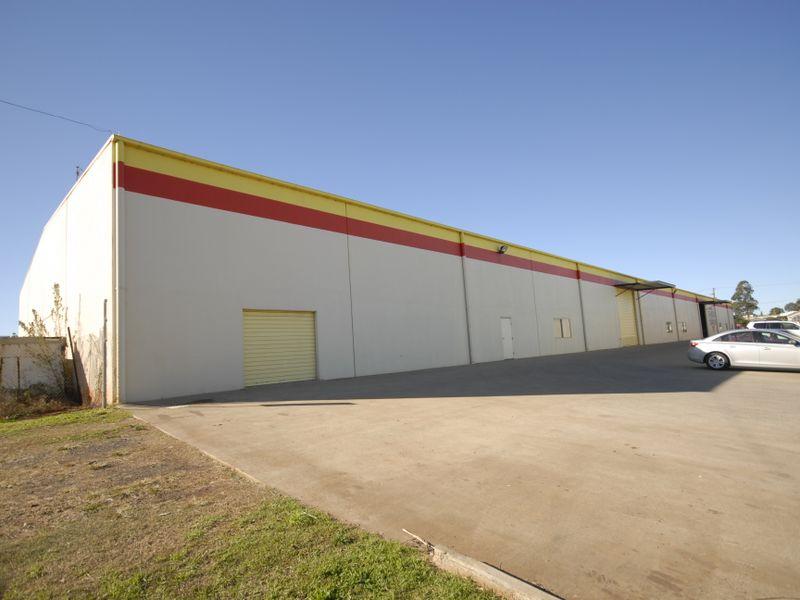 6 - Rear S/207-217 McDougall Street WILSONTON QLD 4350