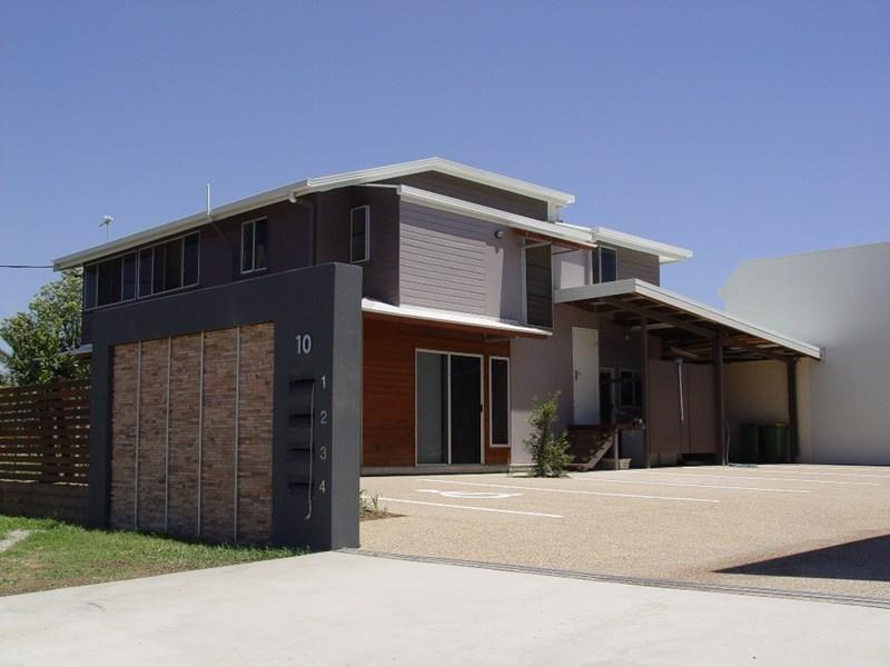 10 Cummins Street HYDE PARK QLD 4812