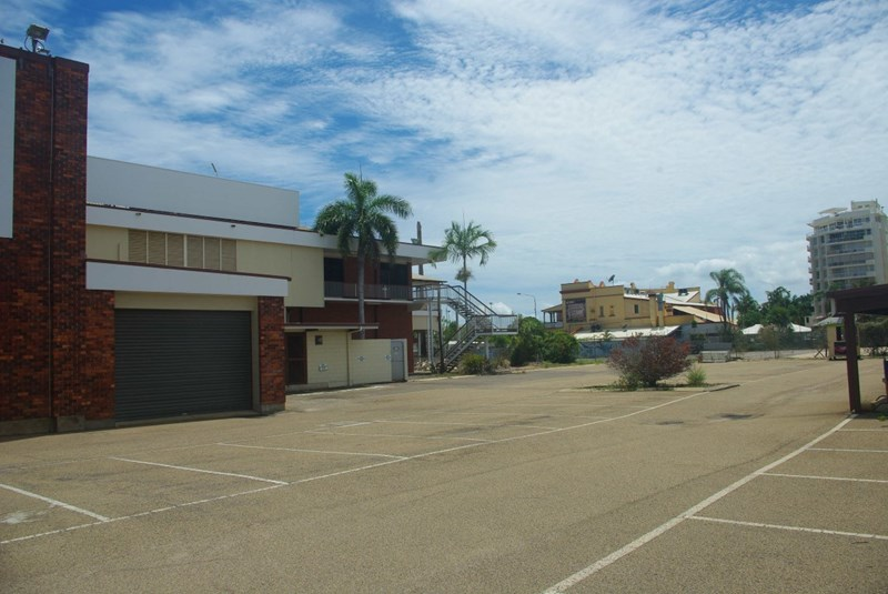 12 The Strand TOWNSVILLE CITY QLD 4810