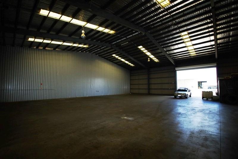 2/760 Ingham Road MOUNT LOUISA QLD 4814