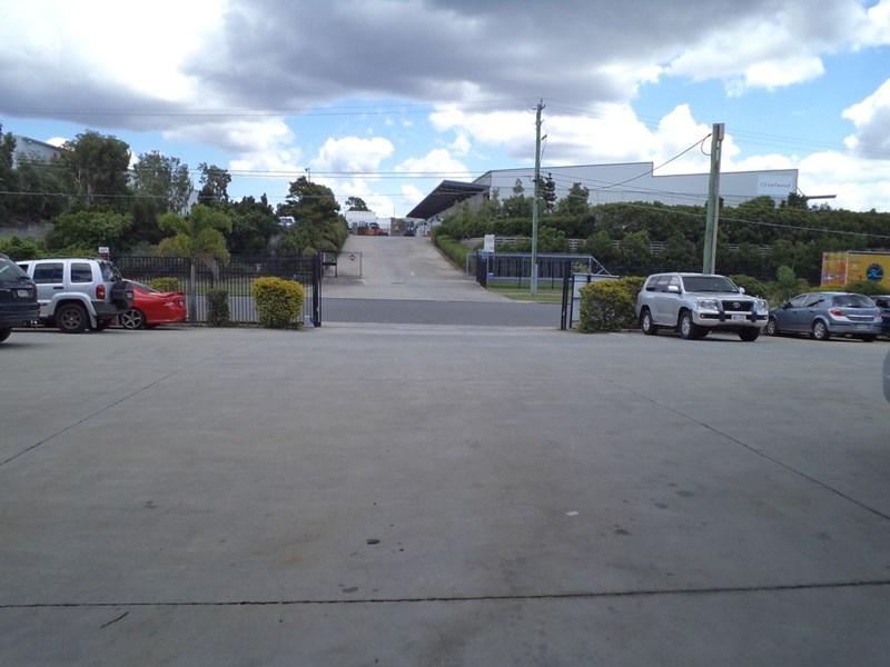 2/6-8 Radium Street CRESTMEAD QLD 4132