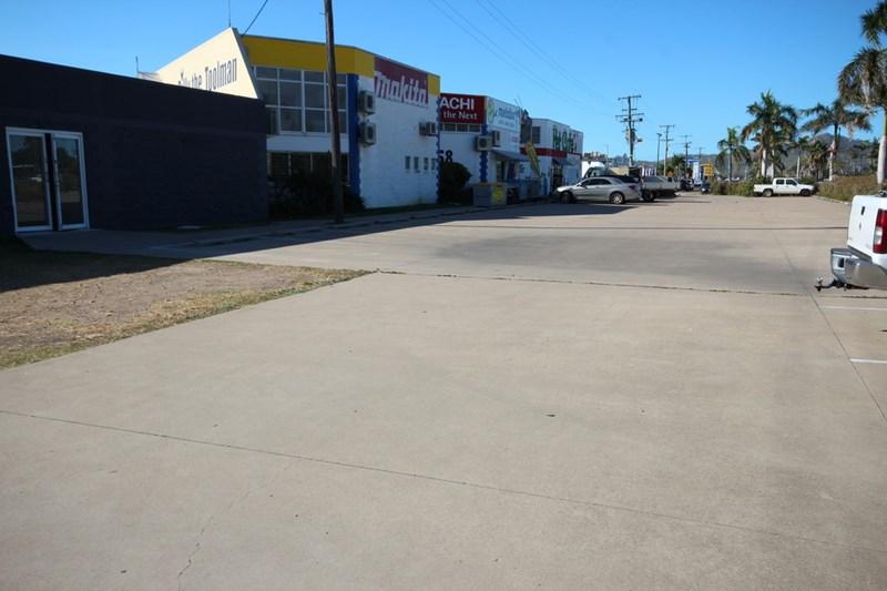 Lease G, 158 Duckworth St GARBUTT QLD 4814