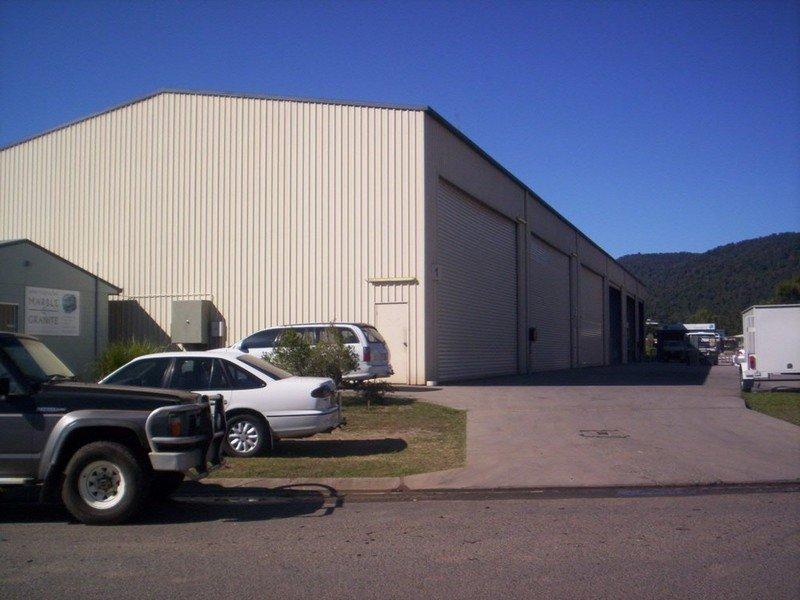 2/24 Carlo Drive CANNONVALE QLD 4802