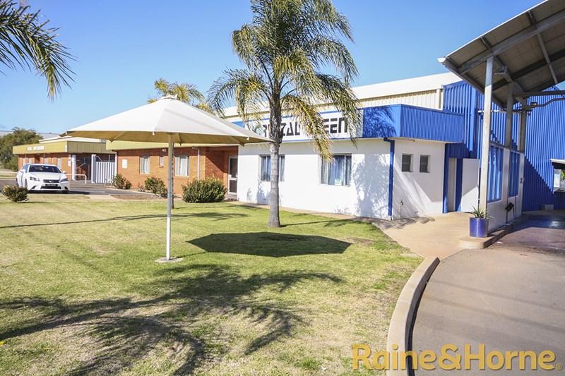 1 Douglas Mawson Road DUBBO NSW 2830