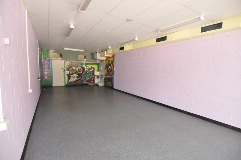 Shop 3, 1219 Riverway Drive RASMUSSEN QLD 4815