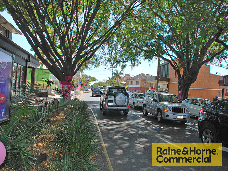 Retail 23 Racecourse Road HAMILTON QLD 4007