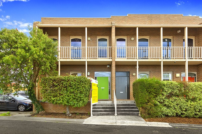1/1 James Street BAYSWATER VIC 3153