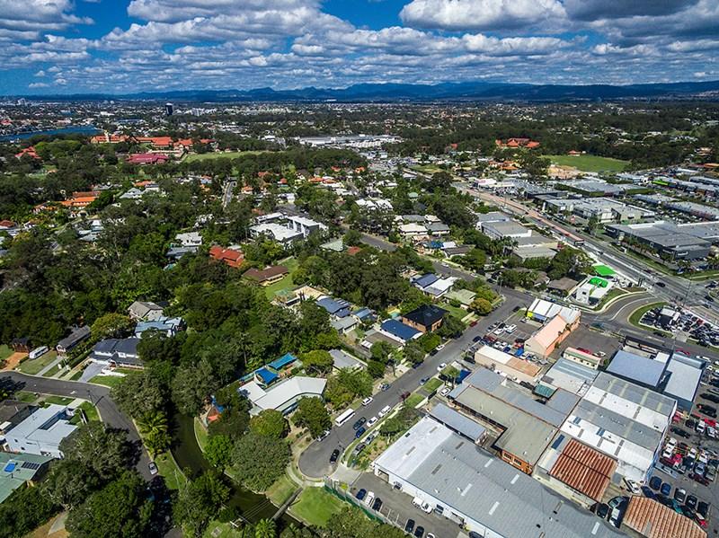 2 Nesbit Street SOUTHPORT QLD 4215