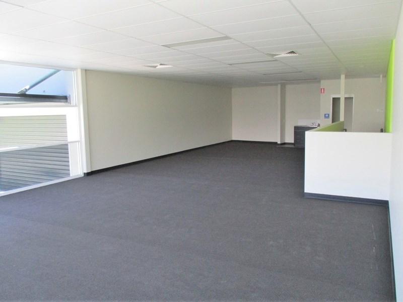 2/41 Lavarack Avenue EAGLE FARM QLD 4009