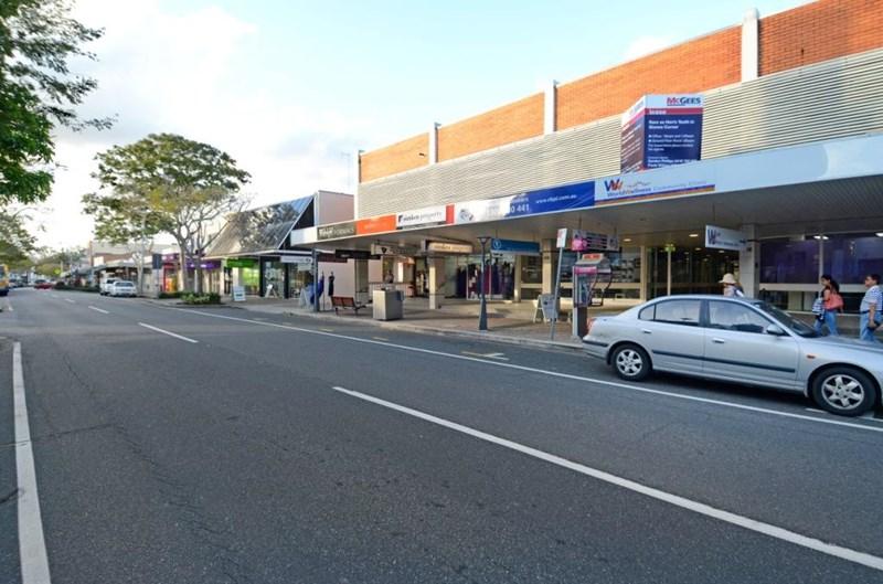 416 Logan  Road GREENSLOPES QLD 4120