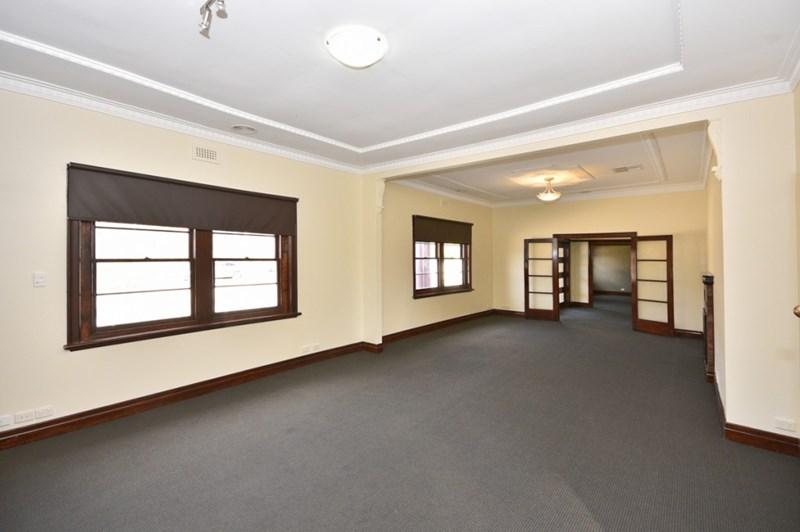 240 High Street KANGAROO FLAT VIC 3555