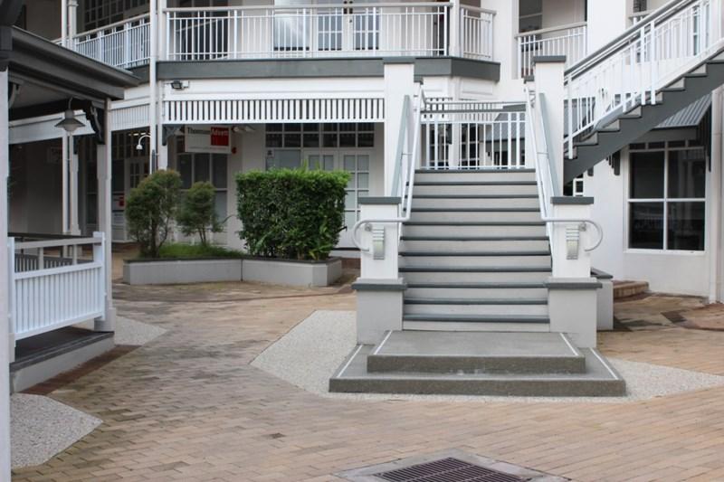 F2/12-14 Lake Street CAIRNS QLD 4870