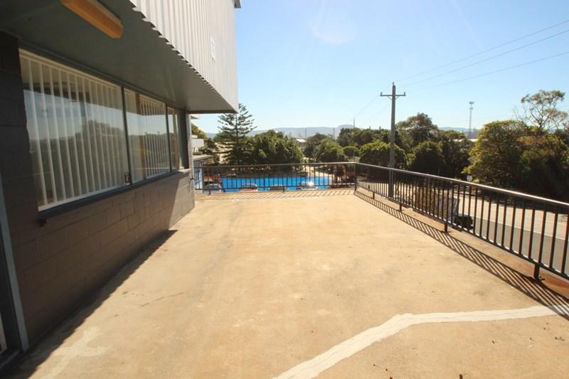 73 Military Road PORT KEMBLA NSW 2505