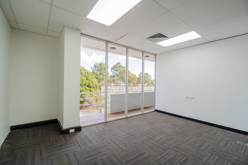 Unit 2, 604 Newcastle Street LEEDERVILLE WA 6007