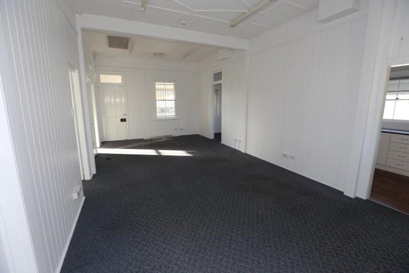 10 Fanny Street ANNERLEY QLD 4103
