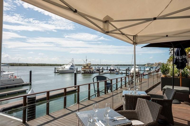 3/4 Marina Promenade PARADISE POINT QLD 4216