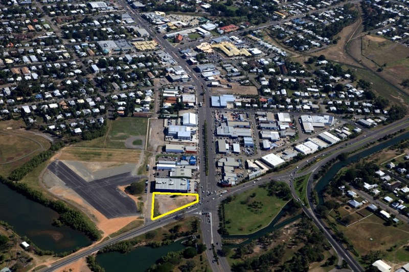 40 Charters Towers Rd HERMIT PARK QLD 4812