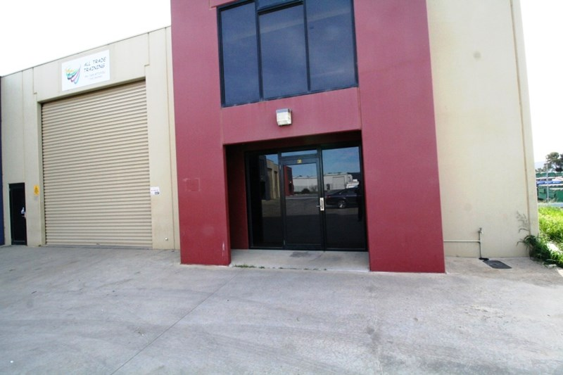 5/6 Builders  Close WENDOUREE VIC 3355