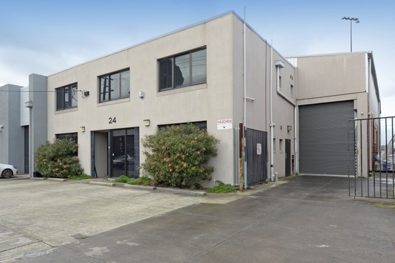 24 Viking Court MOORABBIN VIC 3189